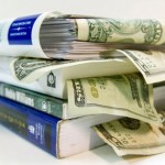 7 Things You Can Do To Save on Textbooks - Image: Unigo.com